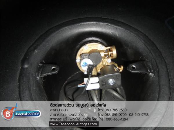 ถังแก๊ส ประเภทถังโดนัท ขนาด 52 ลิตร พร้อมมัลติวาล์วของ Energy Reform ตัวอย่างผลงานการติดตั้งระบบแก๊สชุด Subaru Impreza 2.0 ปี 2008 2000cc ติดแก๊ส LPG หัวฉีด ชุด Prins VSI อุปกรณ์นำเข้าจากเนเธอร์แลนด์ ติดถังโดนัท Energy Reform 52 ลิตร โดย ธนบูรณ์ ออโต้แก๊ส