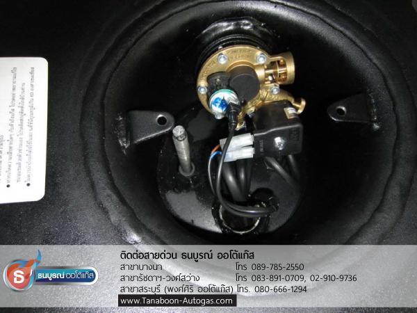 ถังโดนัท Metal Mate กับมัลติวาล์ว Energy Reform ตัวอย่างผลงานการติดตั้งระบบแก๊สรถ Mazda Tribute 2300cc ติดแก๊ส LPG หัวฉีด ชุด Prins VSI อุปกรณ์นำเข้าจากเนเธอร์แลนด์ ติดถังโดนัท Metal Mate 52ลิตร พร้อมมัลติวาล์ว Energy Reformโดย ธนบูรณ์ ออโต้แก๊ส