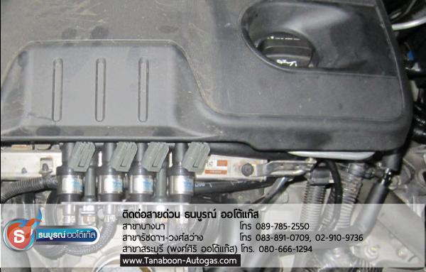 การต่อรางหัวฉีดแก๊สภายในห้องเครื่องยนต์ Review รีวิวผลงานตัวอย่างการติดตั้งระบบแก๊สรถยนต์สำหรับรถ Chevrolet CAPTIVA เครื่องยนต์ 2400 cc. 4 สูบ ติดแก๊ส LPG หัวฉีด ชุด Prins VSI อุปกรณ์นำเข้าจากเนเธอร์แลนด์ ติดถัง Donut 43 ลิตร ใต้ท้อง รับประกัน 5 ปี มัลติวาล์ว Energy Reform(Made in Italy) ลิตร โดย ธนบูรณ์ ออโต้แก๊ส