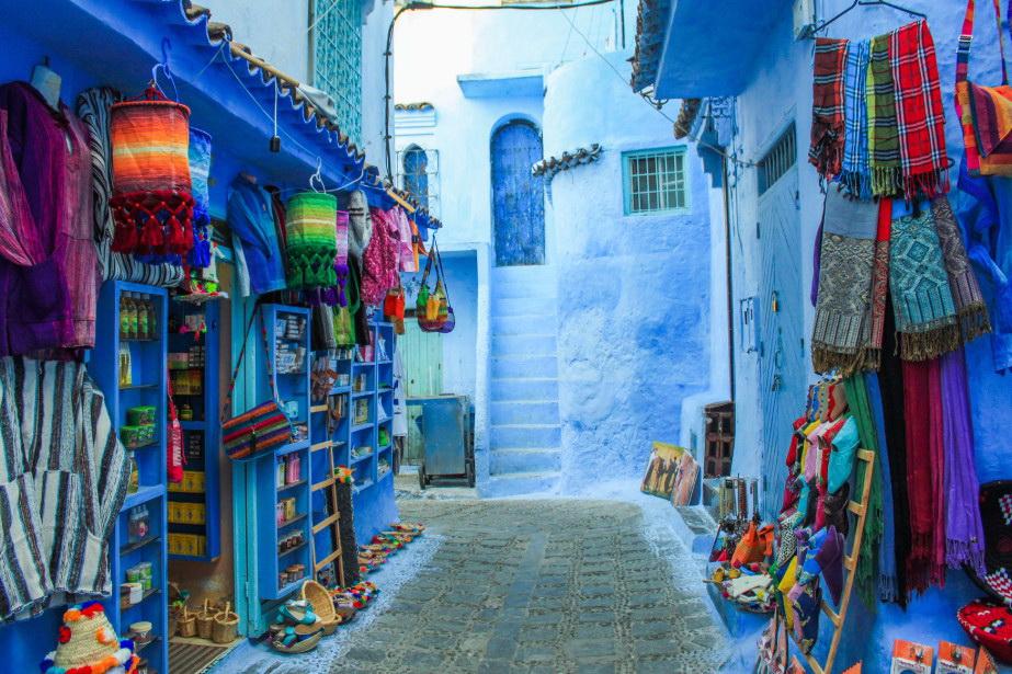 สีสันของร้านค้า ริมทาง ในเมืองนครสีฟ้า เชฟชาอูน Chefchaouen แห่ง โมรอคโค